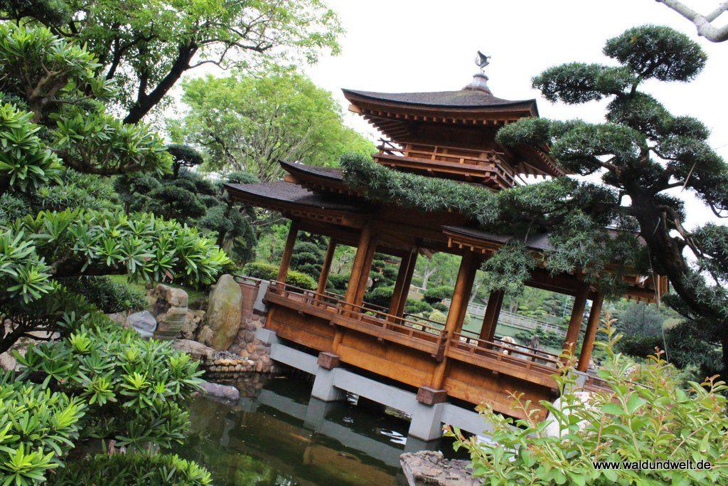 Chinesische Brücke im Nan-Lian-Garten