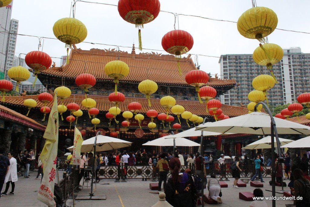 Lampions im Hauptbereich des Wong-Tai-Sin-Tempels