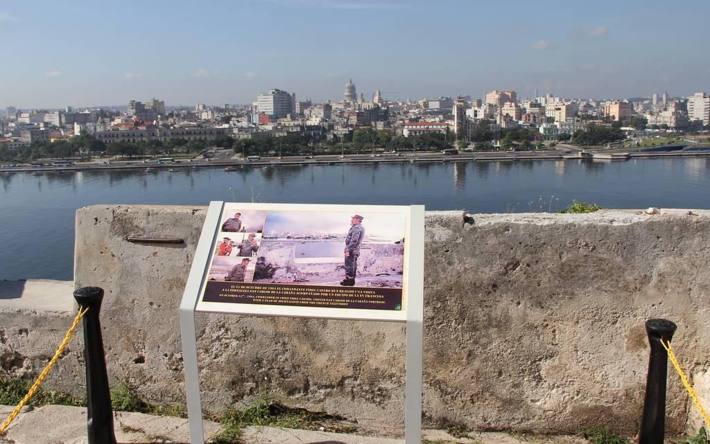 Fortaleza de San Carlos: Stehen, wo einst Fidel Castro stand.