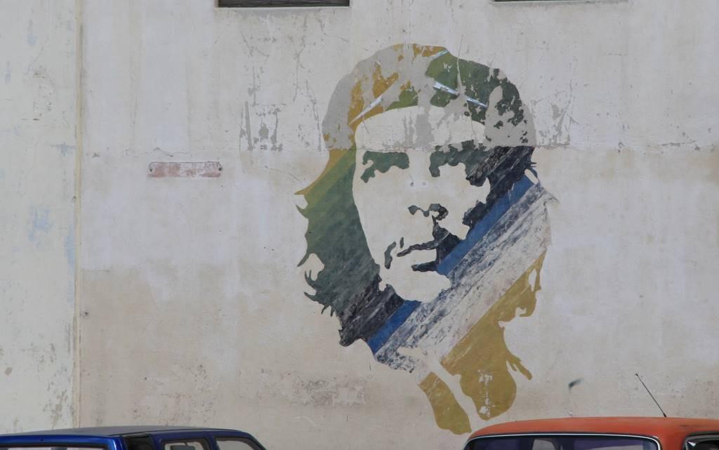 Che Guevara ziert nicht nur eine Hausfassade in Havanna.