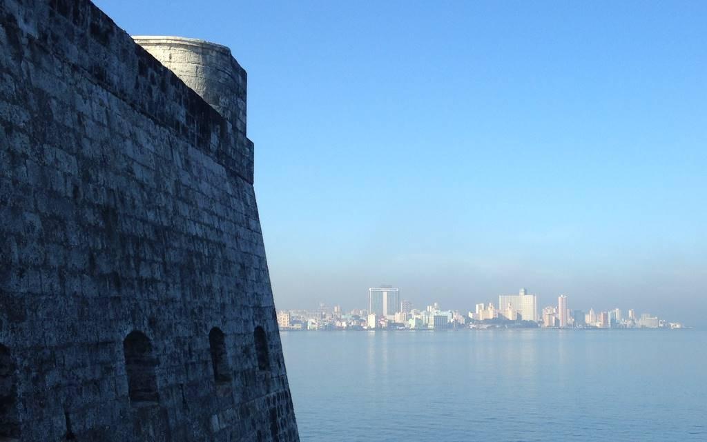 Das Castillo de los Tres Reyes del Morro wacht über die Hafeneinfahrt von Havanna.