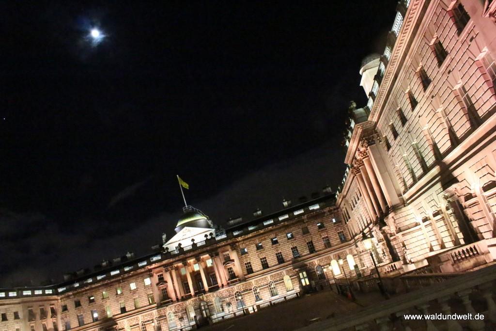 Somerset House im Mondlicht.