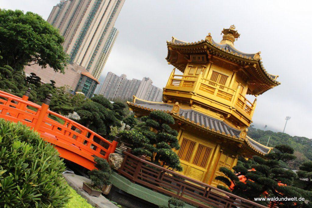 Nan-Lian-Garten: Moderne im Hintergrund, Tradition im Vordergrund